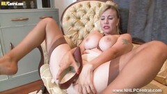 Sexy blonde shoe masturbation vintage nylons and lingerie Thumb