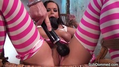 Kinky beauty groped and dominated Thumb