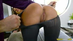 Deep inside the tailor Jada Stevens pussy Thumb