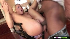 flexi chick fucks her trainer Thumb