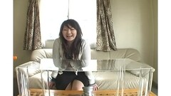 Gorgeous Milf puts on sexy leather gloves and turns into fetish mistress Thumb
