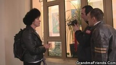 Glam euro brit pulled man to facialize her Thumb