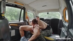 She wanted to try steamy sex in a taxi Thumb