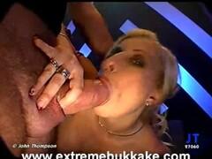 Busty babe masturbating riding sybian Thumb