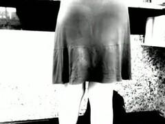 Upskirt hairy milf calcinha lilas Thumb