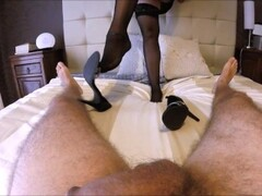 Pussy-Stocking Footjob preview Thumb