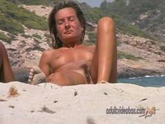 Nudist Beach Teen Girls Voyeur Serie 69 Thumb