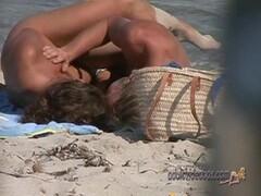 Nudist Beach Teen Girls Voyeur Serie 70 Thumb
