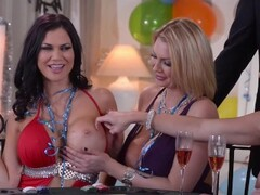 Party Moms Love Sex Thumb