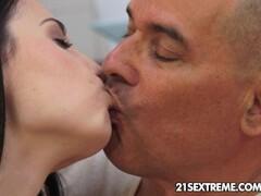 Kristy Blacks satisfies an old cock Thumb