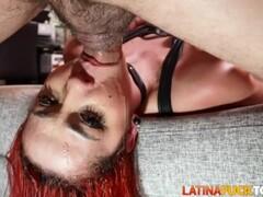 Latina Peli Roja Le Rompen El Culo Thumb