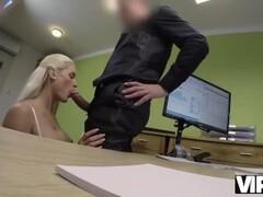 VIP4K. Blanche lista para el sexo por dinero en efectivo porque es una chic Thumb