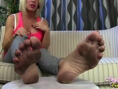 Nikki Ashton - Dirty Giantess Soles Thumb