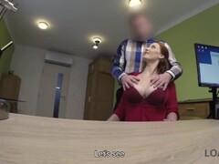 LOAN4K. Rothaarige Schönheit hat schmutzigen Sex gegen Geld für Haustierope Thumb