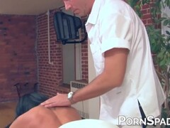 Inked amateur pussy fucked after erotic massage Thumb