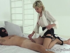 Mature Lady Sonia gets stuffed by a big cock Thumb