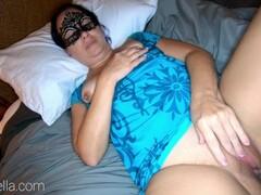 Amateur Sexy Mature Milf Mom Caught Masturbating - Exclusive Thumb