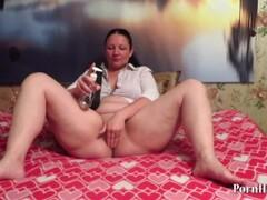 Huge Dildo in pussy mature! Thumb