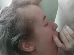 Усердно сосет мой член и я кончаю на ее лицо - Russian Cherry Thumb