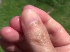 Saliva on fingers fetish hands bitten nails fetish girls Fétichisme de la salive sur les mains de femme et des ongles rongés Thumb