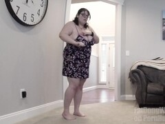 Behind the scenes of BBW nude model photo shoot - Nikki Alwais Thumb